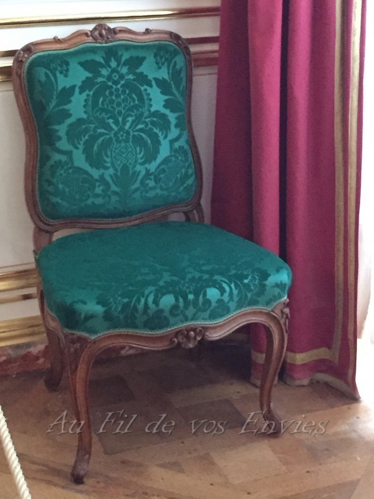 chaise louis xv cresson chambord. Black Bedroom Furniture Sets. Home Design Ideas